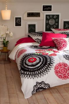 Desigual living collection also for your bed Home Bedroom, Bedroom Decor, Bedrooms, Home Decoracion, Home Collections, Geisha, Decorating Your Home, Cool Furniture, Interior And Exterior