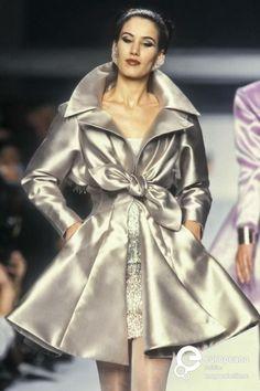 Image from object titled 'Lanvin, Spring-Summer Couture' Grey Fashion, 90s Fashion, Runway Fashion, High Fashion, Fashion Show, Vintage Fashion, Fashion Outfits, Womens Fashion, Edwardian Fashion