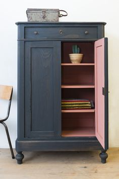 Tough Girl Schrank in off-Black - Paulina - # Mädchen Schrank . - Stoere meidenkast in off-Black – paulina – Stoer… Tough Girl Schrank in Off-Black – Paulina – # Girl Schrank … Tough Girl Schrank in Off-Black – Paulina – Decor, Interior, Painted Furniture, Furniture Decor, Cheap Home Decor, Paint Furniture, Furniture Makeover, Vintage Furniture, Home Decor Furniture