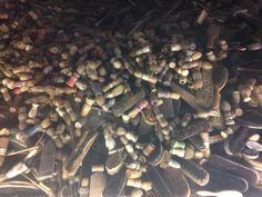 Vaak hadden de joodse slachtoffers schoenborstels, kledingborstels, kam, scheerkwast bij zich. Firewood, Crafts, Warsaw, Poland, Crafting, Diy Crafts, Craft, Arts And Crafts, Wood Fuel