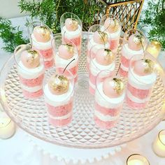 Pink and white dessert shooters. Dessert Party, Party Desserts, Wedding Desserts, Mini Dessert Cups, Rosa Desserts, Pink Desserts, Shot Glass Desserts, Pink Dessert Tables, Pink Parties