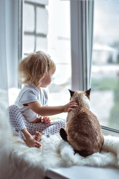 Little kids and kitty cats Animals For Kids, Animals And Pets, Cute Animals, Kids And Pets, Crazy Cat Lady, Crazy Cats, Cute Kids, Cute Babies, Jolie Photo