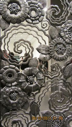 Pleasant contained diy welding projects ideas Don't forget to Art Nouveau, Art Deco Rugs, Iron Work, Forging Metal, Metal Artwork, Art Deco Design, Unique Home Decor, Blacksmithing, Wrought Iron