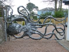 amazing octopus gate http://paulgilbert-blacksmith.co.uk/devon-blacksmith/Large/Large%20New/Gate_wide/wrought-iron_gates-007.jpg