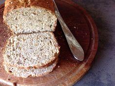 Pão integral de linhaça e sementes de girassol