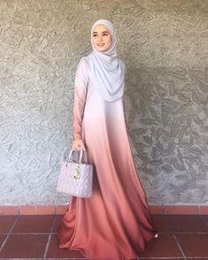 Ideas Fashion Hijab Dress Gowns Muslim Women For 2019 – Hijab Fashion 2020 Hijab Gown, Hijab Style Dress, Eid Dresses, Modest Dresses, Islamic Fashion, Muslim Fashion, Abaya Fashion, Fashion Outfits, Dress Fashion