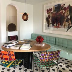 Vibrant, relaxing and calm are all words that innately describe India Mahdavi's design aesthetic. Entryway Decor, Diy Bedroom Decor, Home Decor, Interior Simple, Family Room Design, Paint Colors For Living Room, Aesthetic Bedroom, Interior Design Living Room, Interior Livingroom