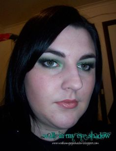 Makeup Monday - Charcoal and Forest Green Look [Oct '10]