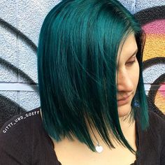 #gittyundgöff #haircutboutique #grenchen #coiffeuringrenchen #haarfarbspezialist #haircolorspecialist #grünehaare #greenhair #lovemyjob #welovehair