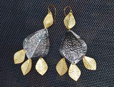 Goldene Ohrringe Statement Fashion lange schwarz oxidiert opulent € 29,90 Messing, Pendant Necklace, Drop Earrings, Jewelry, Big Earrings, Gold Paint, Handarbeit, Black, Jewlery