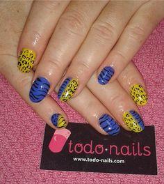Otro de los diseños de uñas que hemos realizado para nuestras clientas, En este caso, uñas de gel con decoraciones de cebra y leopardo! ¿Os gustan?
