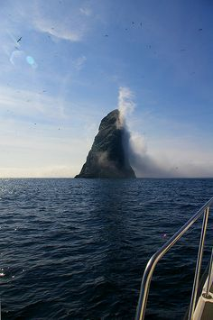 Fog bank hitting Stac Li, St. Kilda by seaharris, via Flickr