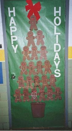 Easy Christmas Classroom Decorations you'll have to check out before you scroll up - Happy Christmas - Noel 2020 ideas-Happy New Year-Christmas Christmas Door Decorating Contest, Holiday Door Decorations, Christmas Themes, Christmas Crafts, Christmas Decorations For Classroom, Christmas Elf, Preschool Door Decorations, Holiday Classrooms, Easy Decorations