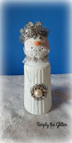 - Salt Shaker - Ideas of Salt Shaker Shabby Chic Christmas, Primitive Christmas, Christmas Love, Christmas Snowman, Christmas Tree Ornaments, Vintage Christmas, Christmas Ideas, Christmas 2019, Snowman Decorations