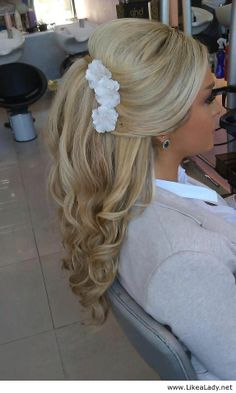 Awesome blonde hairstyle