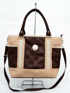 Necesitas una igual de bolsa o para tu laptop? Búscala en www.clickandbrands.com