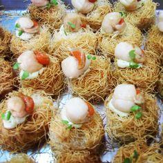 Nido de patata kataifi con zamburiña y mermelada de pera #weddingfood #aperitivos #comidachic #comida #boda #bodagalicia #foodie #kataifi #ideas