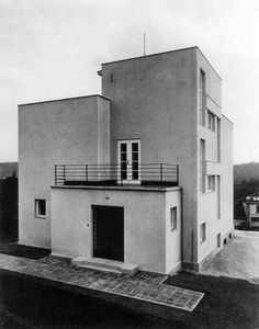 Villa, Brno, Czechoslovakia. Oskar Poriska, 1926 -- This is what things looked liked in the Czech Republic before communism.