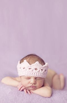 So precious! Love this sweet headband.