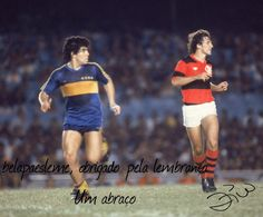 Diego Maradona e Zico. Sport Football, Football Shirts, Diego Armando, Remo, Football Pictures, Vintage Football, World Star, World Of Sports, Sports Stars
