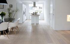 Bekijk de foto van kist68 met als titel Eiken houten vloer wit geolied en andere inspirerende plaatjes op Welke.nl.