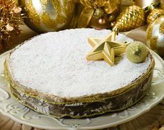 See related links to what you are looking for. Chocolate Sweets, Love Chocolate, Vasilopita Cake, New Year's Cake, Dessert Recipes, Desserts, Greek Recipes, Sweet Bread, Vanilla Cake