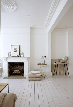 Beautiful home of photographer Paul Massey (found in http://teaforjoy.blogspot.com/)