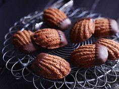 Schoko-Bärentatzen ist ein Rezept mit frischen Zutaten aus der Kategorie Plätzchen. Probieren Sie dieses und weitere Rezepte von EAT SMARTER!