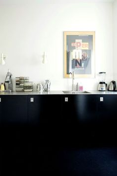 Love the simplicity of this.  Via Emma's Design Blog.  Danish site FRI's home and living section