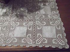 Crochet Mat, Crochet Squares, Filet Crochet, Mantel Redondo, Backpack Tutorial, Crochet Table Runner, Viking Tattoo Design, Sunflower Tattoo Design, Homemade Beauty Products