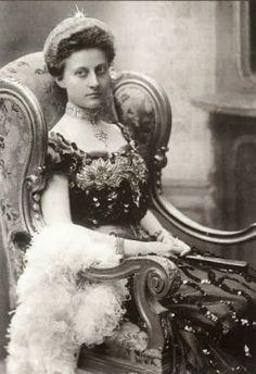 Prinzessin Feodora, wife of Prinz Heinrich Reuß zu Köstritz, nee Prinzessin von Sachsen-Meiningen