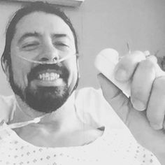 Dave Grohl so chill even at a Hospital