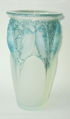 Page 3 - Lalique Glassware Specialist in London, offering R Lalique Glass Vases, Rene Lalique Bowls, Dishes, Post-War Lalique and Other Glass Art Nouveau, Art Of Glass, Budgies, Antique Art, Oeuvre D'art, Atlantis, Colored Glass, Vases, Art Decor