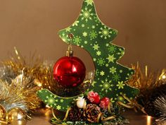 Master Christmas tree - suspension for the ball Christmas Ornament Crafts, Diy Christmas Tree, Christmas And New Year, Christmas Holidays, Christmas Bulbs, Christmas Decorations, Xmas, Holiday Decor, Diy Weihnachten