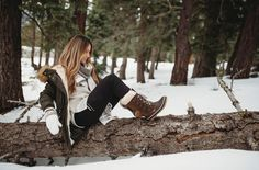 Stay warm and dry on all your snowy adventures! 👢☃️ Shop Denali: bearpaw.com/ #LiveLifeComfortably #BearpawStyle