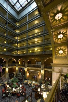 Brown Palace Hotel & Spa, Denver - a haunted hotel Brown Palace Hotel, Brown Hotel, Best Resorts, Hotels And Resorts, Best Hotels, Luxury Hotels, Haunted Hotel, Haunted Places, Rock Island Railroad