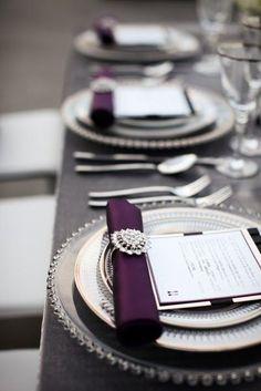 Descubre las mejores ideas sobre cómo doblar servilletas para que tus mesas sean las más especiales de todas las bodas. ¡Copia estos ejemplos!