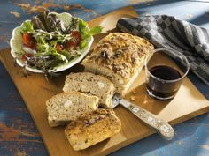 Hackbraten mit Mandeln ist ein Rezept mit frischen Zutaten aus der Kategorie Pastete. Probieren Sie dieses und weitere Rezepte von EAT SMARTER!