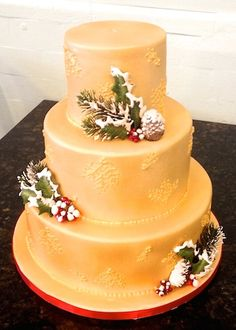 Gold Holiday Wedding Cake with Holly Leaves Glamorous Wedding Cakes, Fondant Wedding Cakes, Holly Leaf, Leaves, Glamour, Sweet, Holiday, Desserts, Gold