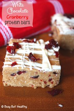White Chocolate Cranberry Protein Bars - delicious and easy homemade protein bars. 157 calories each. http://papasteves.com