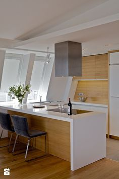 Solid Wood Kitchens, Rustic Kitchen Cabinets, Kitchen Design, Kitchen Ideas, House Design, Contemporary, Architecture, Table, Room