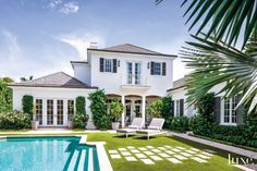 A Contemporary Palm Beach Home with a British Colonial Feel Style At Home, Villas, Colonial Exterior, Modern Exterior, Home Modern, Modern Living, Custom Shades, Coastal Living, Palm Beach