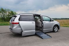 Silver #Toyota #Sienna is soooooo #smooth. The #kneelvan has a little glow to it.