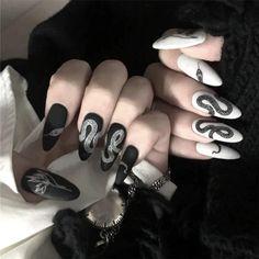 Halloween Acrylic Nails, Black Acrylic Nails, Best Acrylic Nails, Long Black Nails, Cute Black Nails, Black White Nails, Black Manicure, Matte Black, Black Acrylics