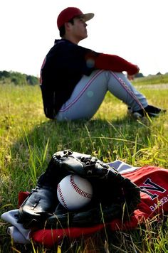 Senior Photo Session: Baseball Copyright Amber S. Senior Photos, Baseball Senior Pictures, Softball Photos, Senior Boy Poses, Senior Picture Outfits, Baseball Photos, Sports Pictures, Baseball Mom, Baseball Gear