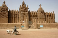 In Mali, an ancient building technique proves far more sensible than wasteful modern alternatives.