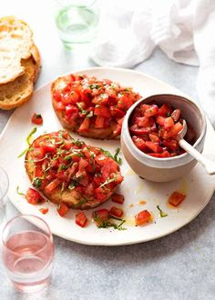 Real Tomato and Basil Bruschetta, made the proper Italian way. So simple! The key is to use good crusty bread, like ciabatta or sourdough, and ripe, juicy tomatoes. Tomato Bruschetta, Bruschetta Recipe, Veggie Recipes, Cooking Recipes, Healthy Recipes, Healthy Food, Easy Recipes, Yummy Appetizers, Appetizer Recipes