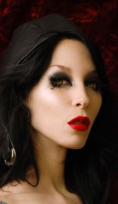 Eclipse contact lenses    http://draculaclothing.com/images/eclipse-contact-lenses-3.jpg