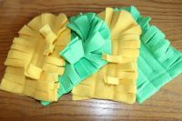 Do you use a handheld Swiffer to clean and dust your home? There is no need to use these at all when you can just make some Swiffer duster refill pads. Swiffer Refill, Swiffer Pads, Diy Cleaners, Cleaners Homemade, Household Cleaners, Fleece Projects, Sewing Projects, Fleece Crafts, Easy Projects