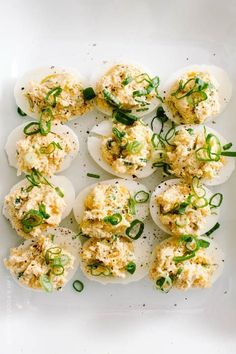 Put a twist on your deviled egg recipe this Easter! These delicious crab rangoon deviled eggs pack the flavor and give a great twist to this brunch favorite. Serve as an appetizer before Easter dinner this year! Best Appetizers, Appetizer Recipes, Snack Recipes, Cooking Recipes, Snacks, Smoothie Recipes, Egg Recipes, Seafood Recipes, Egg And Grapefruit Diet